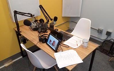 Podcast desk1